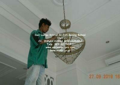 cuci-lampu-kristal-di-jati-bening-26
