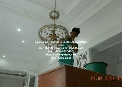 cuci-lampu-kristal-di-jati-bening-28