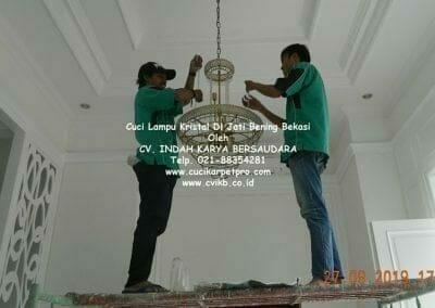 cuci-lampu-kristal-di-jati-bening-34