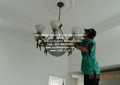 cuci-lampu-kristal-di-jati-bening-39