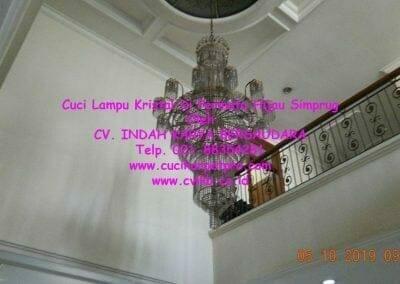 cuci-lampu-kristal-di-permata-hijau-simprug-005