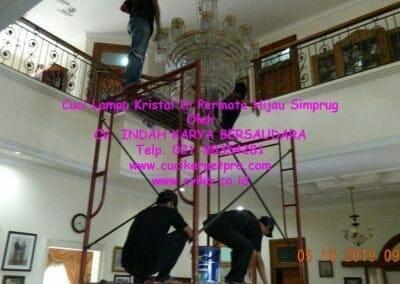 cuci-lampu-kristal-di-permata-hijau-simprug-010