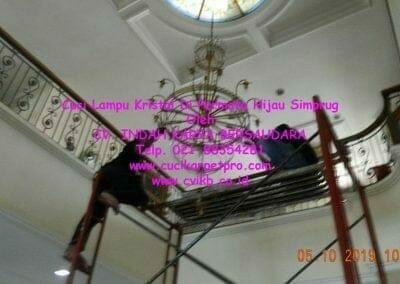 cuci-lampu-kristal-di-permata-hijau-simprug-028