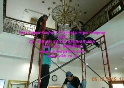 cuci-lampu-kristal-di-permata-hijau-simprug-041
