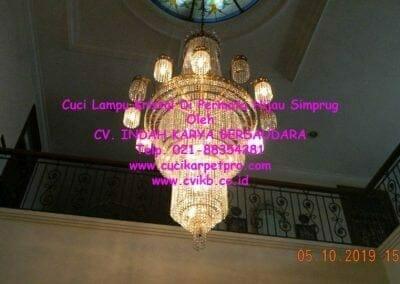 cuci-lampu-kristal-di-permata-hijau-simprug-054