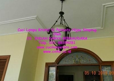 cuci-lampu-kristal-di-permata-hijau-simprug-063