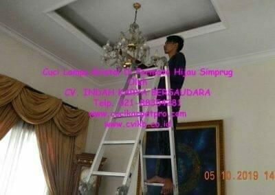 cuci-lampu-kristal-di-permata-hijau-simprug-078