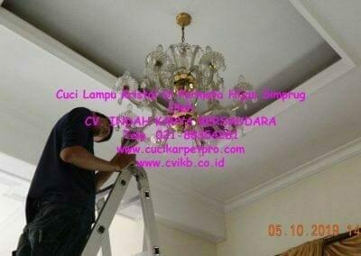 cuci-lampu-kristal-di-permata-hijau-simprug-088