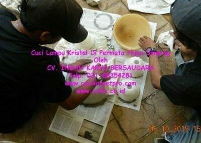 cuci-lampu-kristal-di-permata-hijau-simprug-097