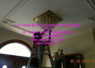 cuci-lampu-kristal-di-permata-hijau-simprug-123
