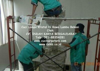 cuci-lampu-kristal-di-rawa-lumbu-01