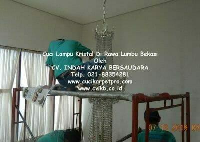 cuci-lampu-kristal-di-rawa-lumbu-10