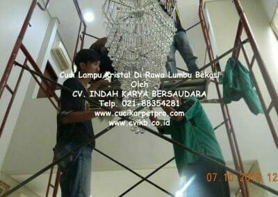 cuci-lampu-kristal-di-rawa-lumbu-47