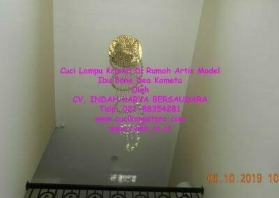 cuci-lampu-kristal-di-rumah-ibu-bona-dea-kometa-03