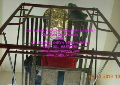 cuci-lampu-kristal-di-rumah-ibu-bona-dea-kometa-06
