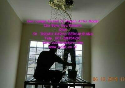 cuci-lampu-kristal-di-rumah-ibu-bona-dea-kometa-13