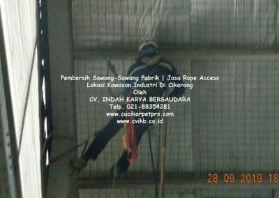 jasa-rope-access-pembersih-sawang-sawang-pabrik-10