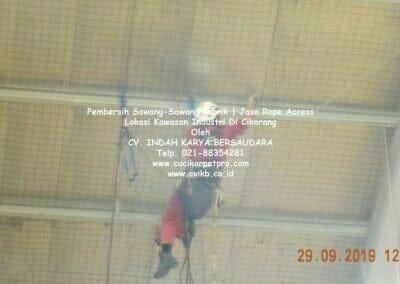 jasa-rope-access-pembersih-sawang-sawang-pabrik-16