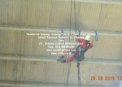 jasa-rope-access-pembersih-sawang-sawang-pabrik-19