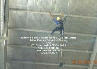 jasa-rope-access-pembersih-sawang-sawang-pabrik-31