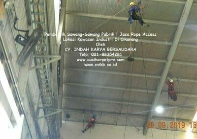 jasa-rope-access-pembersih-sawang-sawang-pabrik-34
