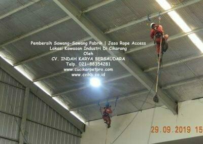 jasa-rope-access-pembersih-sawang-sawang-pabrik-37