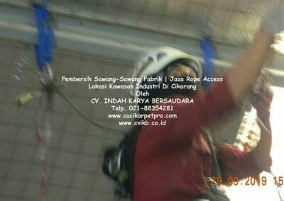 jasa-rope-access-pembersih-sawang-sawang-pabrik-47