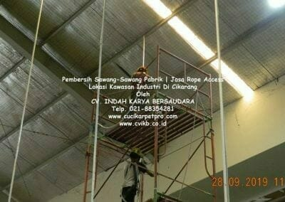 jasa-rope-access-pembersih-sawang-sawang-pabrik-49