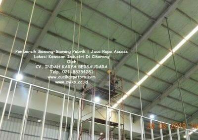 jasa-rope-access-pembersih-sawang-sawang-pabrik-53