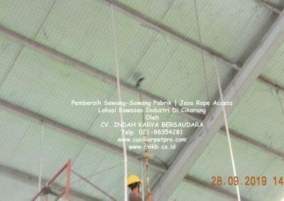 jasa-rope-access-pembersih-sawang-sawang-pabrik-54