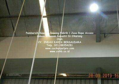 jasa-rope-access-pembersih-sawang-sawang-pabrik-56