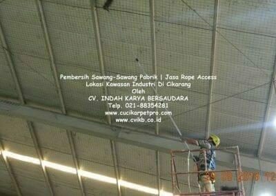 jasa-rope-access-pembersih-sawang-sawang-pabrik-59