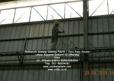 jasa-rope-access-pembersih-sawang-sawang-pabrik-62