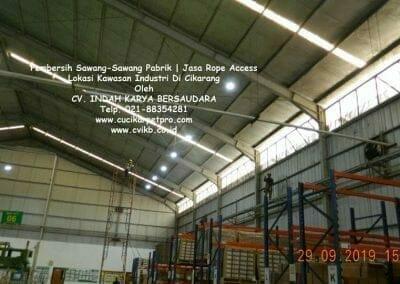 jasa-rope-access-pembersih-sawang-sawang-pabrik-67