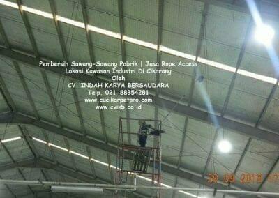 jasa-rope-access-pembersih-sawang-sawang-pabrik-73