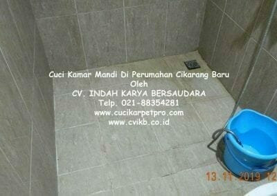 cuci-kamar-mandi-di-perumahan-cikarang-baru-07