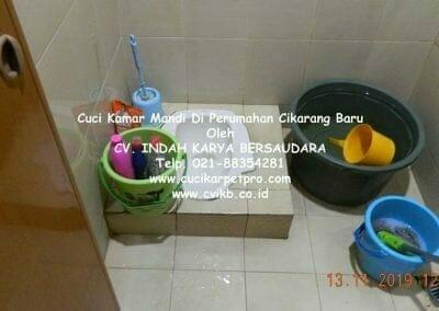 cuci-kamar-mandi-di-perumahan-cikarang-baru-11