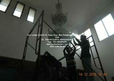 cuci-lampu-kristal-di-pulogadung-05