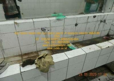 cuci-kamar-mandi-cuci-lantai-di-kawasan-industri-mm2100-30