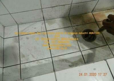 cuci-kamar-mandi-cuci-lantai-di-kawasan-industri-mm2100-33