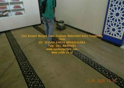 cuci-karpet-masjid-jami-assalam-mekarsari-06