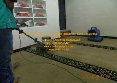 cuci-karpet-masjid-jami-assalam-mekarsari-11