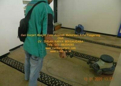 cuci-karpet-masjid-jami-assalam-mekarsari-14