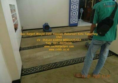 cuci-karpet-masjid-jami-assalam-mekarsari-15