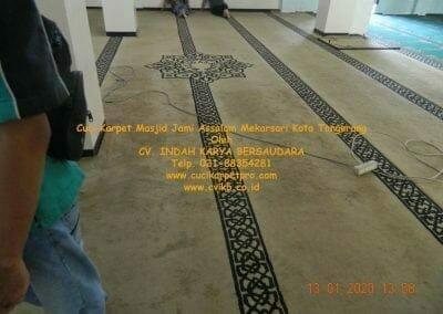 cuci-karpet-masjid-jami-assalam-mekarsari-17