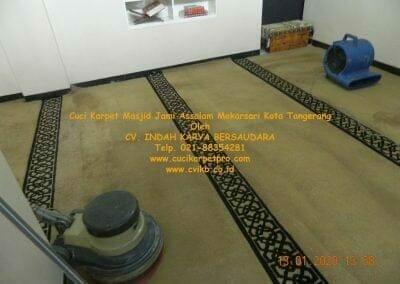 cuci-karpet-masjid-jami-assalam-mekarsari-19