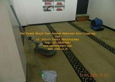 cuci-karpet-masjid-jami-assalam-mekarsari-20