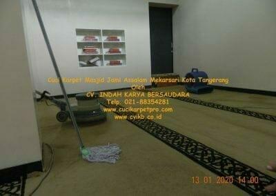 cuci-karpet-masjid-jami-assalam-mekarsari-21