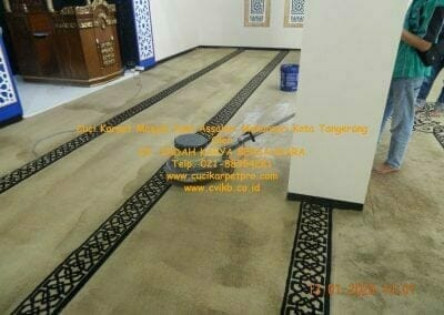 cuci-karpet-masjid-jami-assalam-mekarsari-22