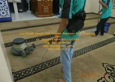 cuci-karpet-masjid-jami-assalam-mekarsari-25